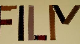 "Ordet ""film"" skrivet med filmrullar"