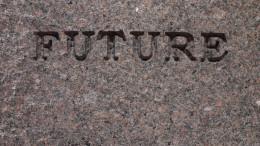 """Sten med testen """"future"""" ingraverad"""