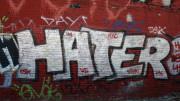 """Graffiti. Det engelska ordet """"hater""""."""