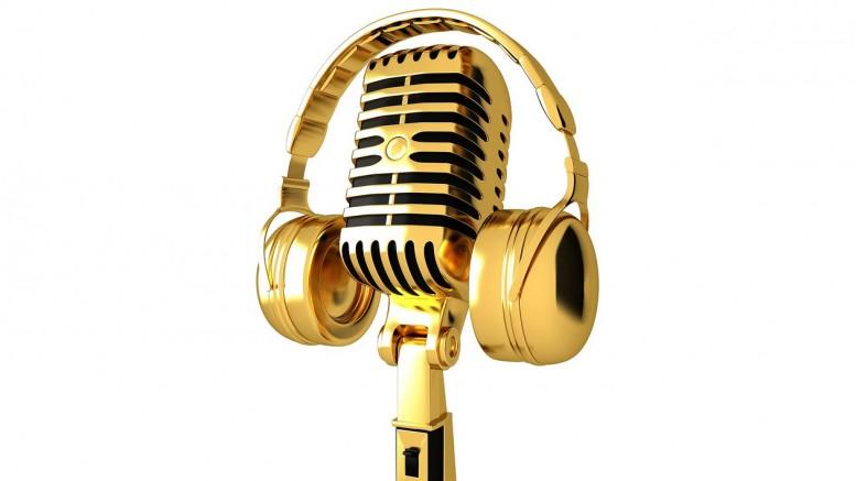 En mikrofon i guld