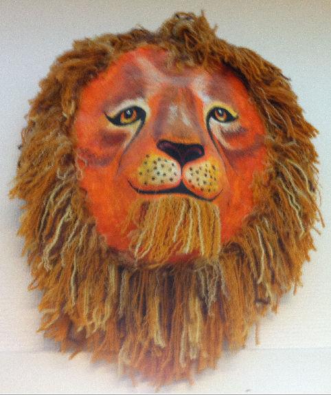 Ett lejon på väggen utanför Gabriellas kontor.