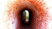 Bild på tunnel som leder ut i ljuset.